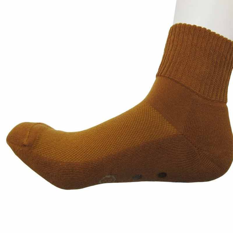 228205_02_pokpongtao_diabetic_socks_non_