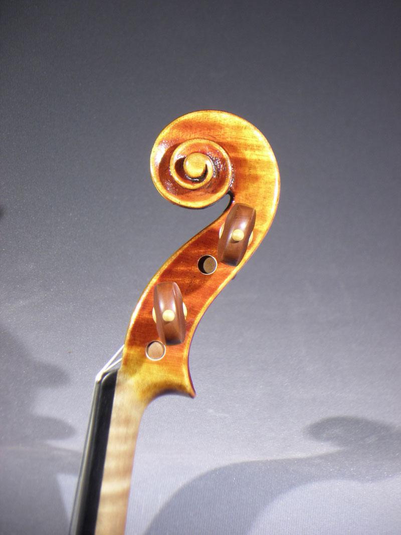 279284_04_detail_del_gesu_violin.jpg