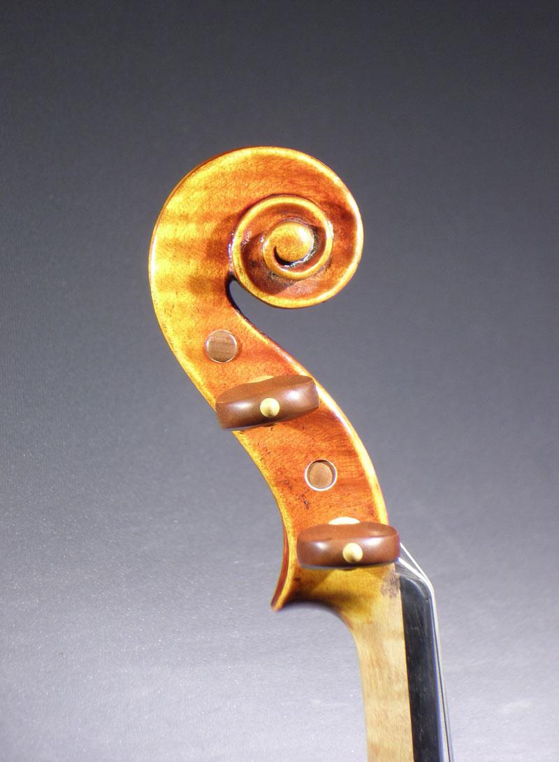 279284_05_detail_del_gesu_violin.jpg