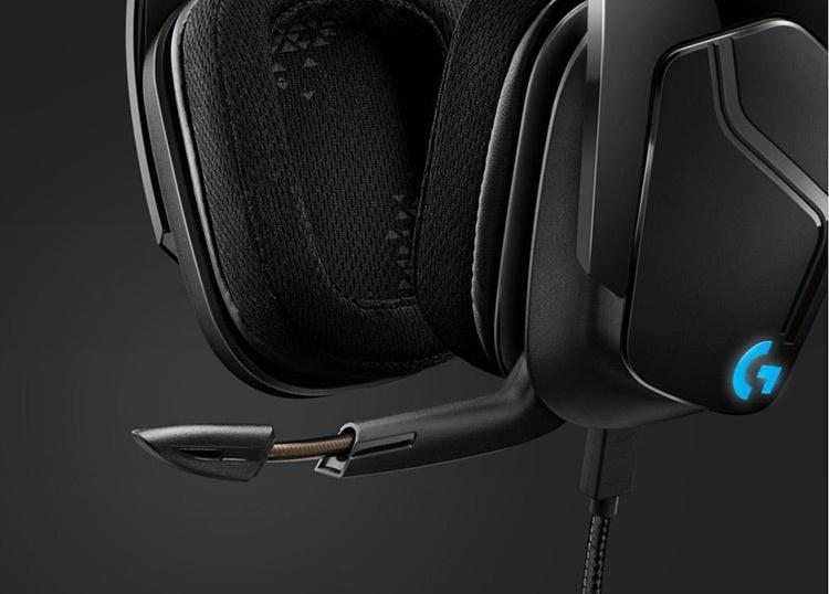 313111_05_detail_logitech_gaming_headset