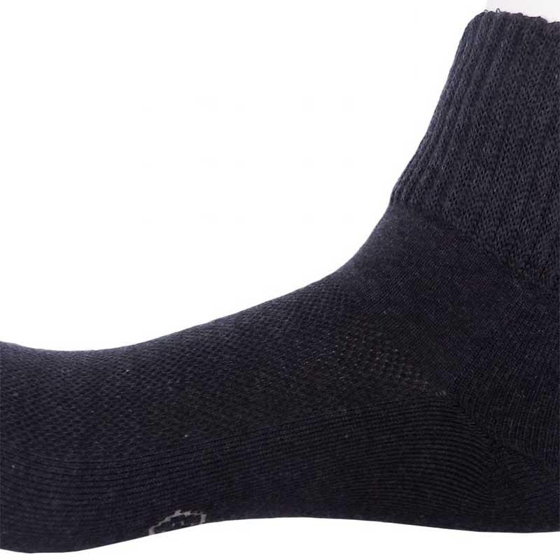 228191_04_pokpongtao_diabetic_socks_stan